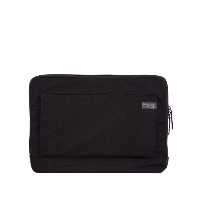 Travel Pouch Essential Accessory mit Multimediafach Pitch Black