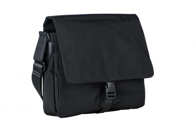 Umhängetasche M 7739 mit Tabletfach schwarz