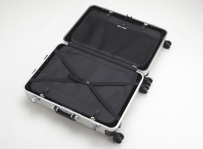 zero halliburton zeroller classic aluminium 4 wheel spinner travel case 24 zoll jetzt auf. Black Bedroom Furniture Sets. Home Design Ideas